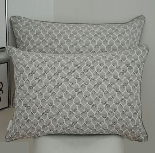 Cushion in Nordic dots patterns